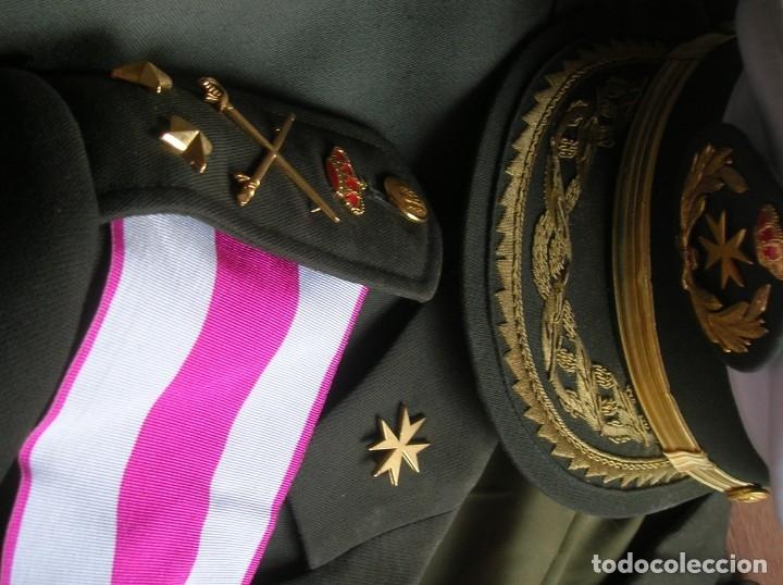 Militaria: MUY RARO Y ESCASO UNIFORME COMPLETO DE GENERAL DE DIVISIÓN DE SANIDAD. - Foto 3 - 182769698