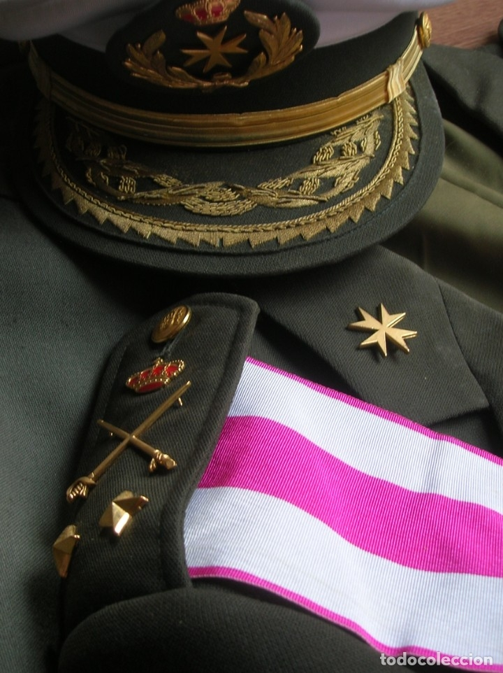 Militaria: MUY RARO Y ESCASO UNIFORME COMPLETO DE GENERAL DE DIVISIÓN DE SANIDAD. - Foto 14 - 182769698