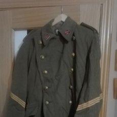 Militaria: CAPOTE SARGENTO REGLAMENTO 1943. . Lote 182913313