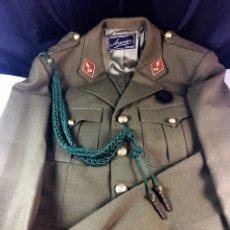 Militaria: TRAJE UNIFORME MILITAR(CHAQUETA Y PANTALÓN) DE LAS MILICIAS UNIVERSITARIAS IMEC-(19373). Lote 191751178
