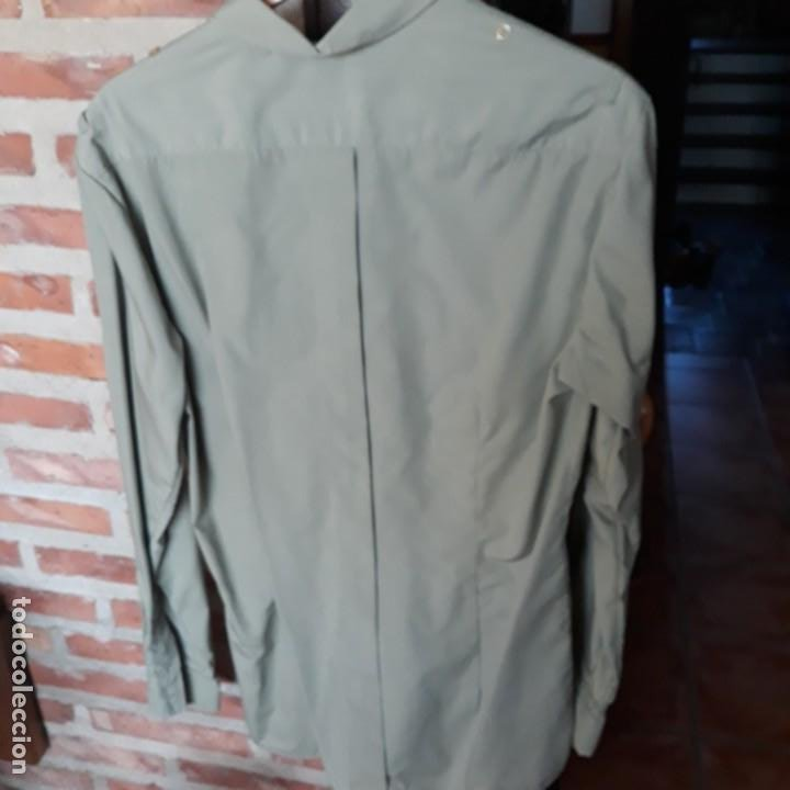 Militaria: Camisa verde oliva de manga larga del uniforme de cuerpos comunes,talla 40 - Foto 2 - 192715545