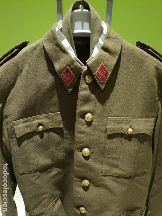 Militaria: Excelente uniforme de un teniente de infanteria del ejército Español. Época de franco - Foto 5 - 194346292