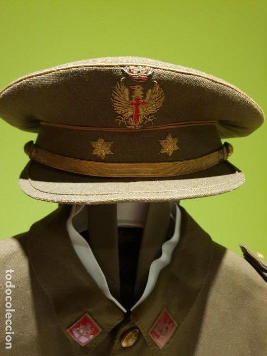 Militaria: Excelente uniforme de un teniente de infanteria del ejército Español. Época de franco - Foto 7 - 194346292