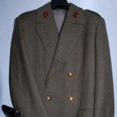 Militaria: ABRIGO TENIENTE CORONEL INGENIEROS EPOCA DE FRANCO REGLAMENTO DE 1943 (EXCELENTE ESTADO GARANTIZADO). Lote 194636737