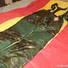 Militaria: PANTALON ALTUS BOSCOSO PIXELADO PARA FRIO EXTREMO. Lote 194720191