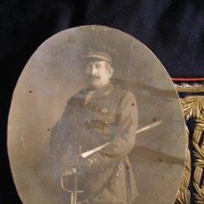 Militaria: GENERAL LAUREADO D. RICARDO BURGUETE Y LANA (1871-1937). FOTO Y CHAQUETA.. Lote 195299878