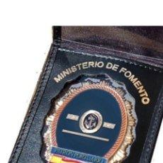 Militaria: CARTERA PIEL CON PLACA DE PATRÓN PORTUARIO. Lote 195457972