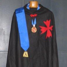 Militaria: CAPA COLLAR Y BANDA DE LA ORDEN DEL SACER. SACERUELA. Lote 196605947