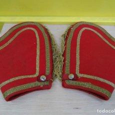 Militaria: MANOPLAS DE GASTADOR DE REGULARES. Lote 196926283