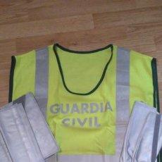 Militaria: GUARDIA CIVIL CHALECO JUEGO REFLECTANTE. Lote 197256047