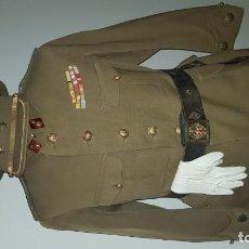 Militaria: EJÉRCITO ESPAÑOL. REGLAMENTO 1943. UNIFORME TENIENTE CORONEL. MUY COMPLETO. Lote 197766031