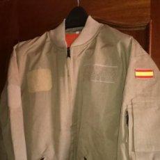 Militaria: CAZADORA VUELO PILOTO ORIGINAL EJERCITO ESPAÑA NUEVA. Lote 204602295