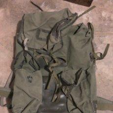 Militaria: LOTE MOCHILA COE ANTIGUA Y BOEL AÑOS 90. Lote 205187281