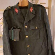Militaria: TRAJE MILITAR COMPLETO ÉPOCA FRANCO. Lote 206957170