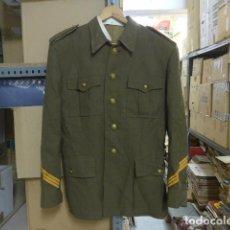 Militaria: ANTIGUA GUERRERA DE SARGENTO DE EPOCA DE FRANCO, ORIGINAL, FRANQUISTA.. Lote 207024787