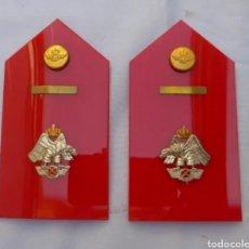 Militaria: 2 HOMBRERAS O PALAS EJÉRCITO DEL AIRE. ALA ZX. (ACADEMIA DE AVIACIÓN).. Lote 207230497