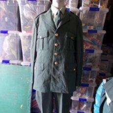 Militaria: UNIFORME GUARDIA CIVIL 2002 CHAQUETA PANTALÓN CAMISA Y CORBATA. Lote 209913791