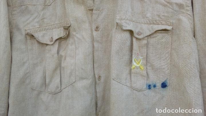 Militaria: CAMISA REGULARES POSTGUERRA (Años 40 a 60).Camisa garbanzo emblema Regulares bordado.(nº5 Alhucemas) - Foto 3 - 210414663