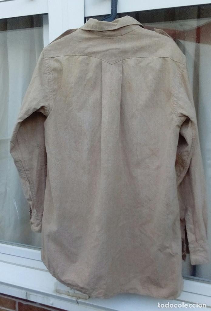 Militaria: CAMISA REGULARES POSTGUERRA (Años 40 a 60).Camisa garbanzo emblema Regulares bordado.(nº5 Alhucemas) - Foto 4 - 210414663