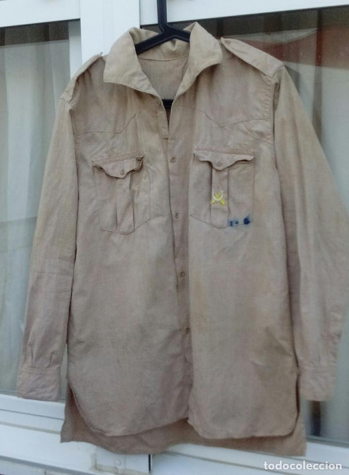 Militaria: CAMISA REGULARES POSTGUERRA (Años 40 a 60).Camisa garbanzo emblema Regulares bordado.(nº5 Alhucemas) - Foto 5 - 210414663
