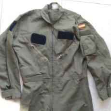 Militaria: MONO DE VUELO DE PILOTO DEL EJÉRCITO DEL AIRE, COLOR VERDE. Lote 220492737