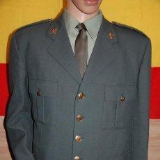 Militaria: UNIFORME DE ACTOS OFICIALES DE LA GUARDIA CIVIL GUARDIA NUMERO. Lote 220787501