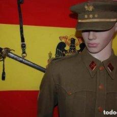 Militaria: CHAQUETA SAHARIANA CAPITAN DE CABALLERIA SEGUN RUET DE 1943/SABLE DE OFICIAL R-43. Lote 221166308