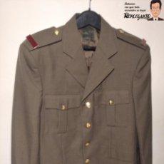 Militaria: CHAQUETA AMERICANA EJÉRCITO TIERRA ESPAÑA (RANGO SOLDADO) - TALLA 52 / L - FANTÁSTICO ESTADO - 2005. Lote 221659018