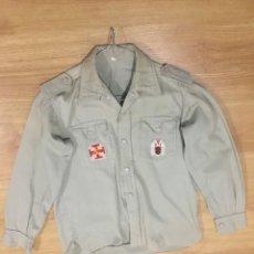 Militaria: CAMISA DE FLECHA, O.J.E., ORGANIZACIÓN JUVENIL ESPAÑOLA.. Lote 227225746