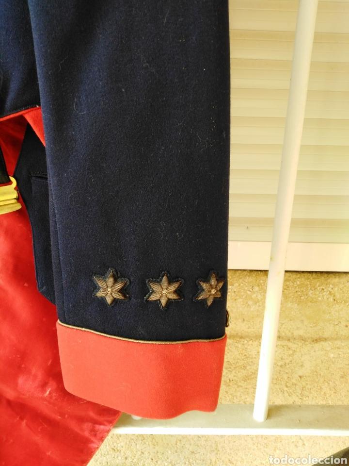 Militaria: UNIFORME DE GALA DE GUARDIA CIVIL QUE PERTENECIÓ AL JEFE DE LA ESCOLTA DEL GENERALISIMO FRANCO - Foto 4 - 227889875