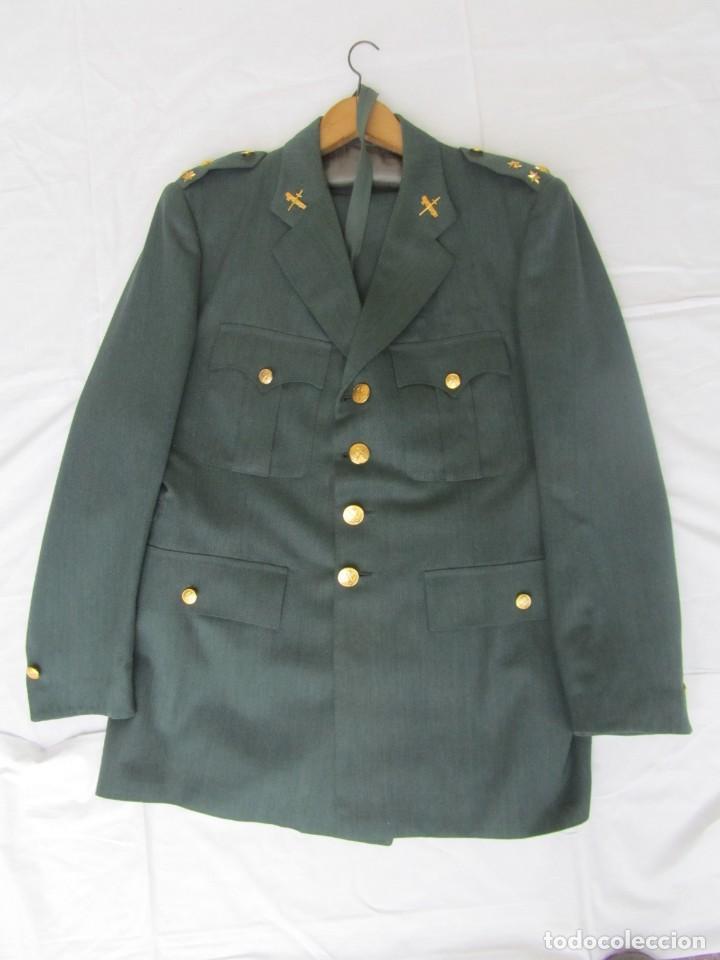 Militaria: Uniforme (chaqueta + pantalones + corbata) Capitán Guardia Civil - Foto 2 - 230766680