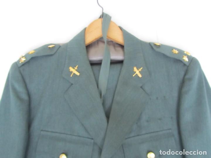 Militaria: Uniforme (chaqueta + pantalones + corbata) Capitán Guardia Civil - Foto 3 - 230766680