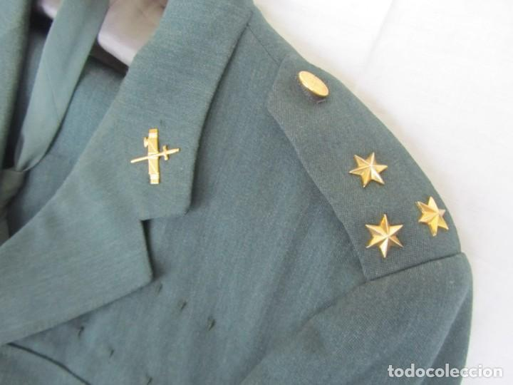 Militaria: Uniforme (chaqueta + pantalones + corbata) Capitán Guardia Civil - Foto 4 - 230766680
