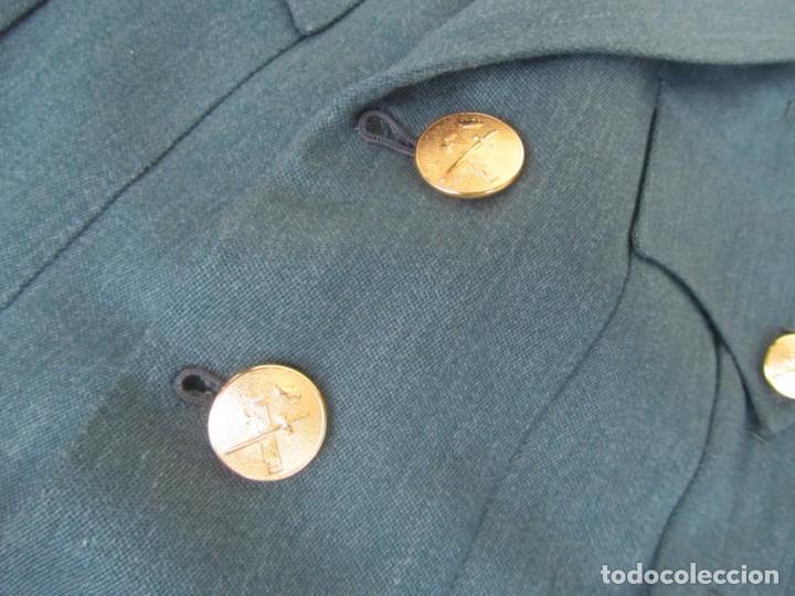 Militaria: Uniforme (chaqueta + pantalones + corbata) Capitán Guardia Civil - Foto 8 - 230766680
