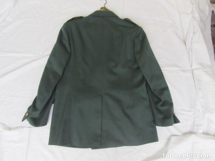 Militaria: Uniforme (chaqueta + pantalones + corbata) Capitán Guardia Civil - Foto 9 - 230766680