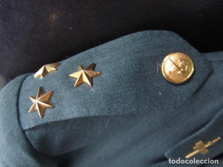 Militaria: Uniforme (chaqueta + pantalones + corbata) Capitán Guardia Civil - Foto 13 - 230766680
