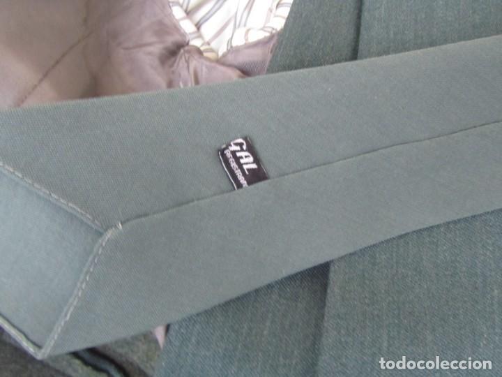 Militaria: Uniforme (chaqueta + pantalones + corbata) Capitán Guardia Civil - Foto 18 - 230766680
