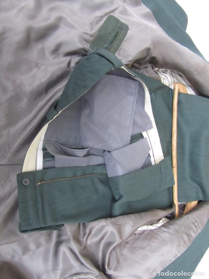 Militaria: Uniforme (chaqueta + pantalones + corbata) Capitán Guardia Civil - Foto 20 - 230766680