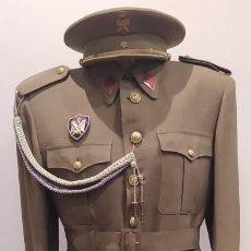 Militaria: UNIFORME DE ALFEREZ DE INFANTERIA DEL SEU REGLAMENTO DEL 43. Lote 234047170