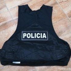 Militaria: FUNDA CHALECO ANTIBALAS, POLICÍA (TALLA M). Lote 245053510