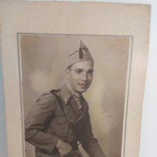 Militaria: FOTOGRAFÍA DE SOLDADO CON UNIFORME REPUBLICANO 1937. Lote 245628025