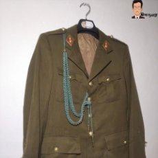 Militaria: GUERRERA / AMERICANA / CHAQUETA ALFÉREZ ARTILLERÍA + ROMBOS + INSIGNIAS - ESPAÑA - REGLAMENTO 1943. Lote 265741104