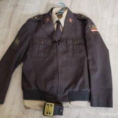 Militaria: UNIFORME TENIENTE POLICIA NACIONAL MARRÓN(1979). Lote 274314143