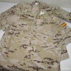Militaria: CHAQUETA Y CAMISA UNIFORME MILITAR EJÉRCITO ESPAÑOL DESIERTO, ÁRIDO, TALLA 1-N. Lote 276753663