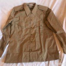 Militaria: CAMISA EJERCITO ESPAÑOL FRANCO AÑOS 70. Lote 277565103