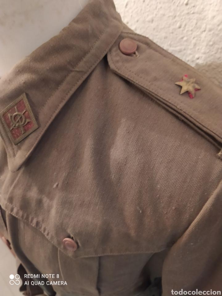 Militaria: ANTIGUA SAHARIANA Y PANTALON DE MONTAR DE UN ALFÉREZ DE INFANTERÍA. REGLAMENTO DEL 43. - Foto 3 - 278626963