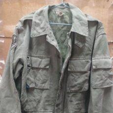 Militaria: CHAQUETÓN VERDE PARACAIDISTA 4 BOLSILLOS AÑOS 70. Lote 288933333