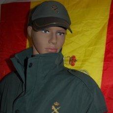 Militaria: ANORAK CHAQUETON IMPERMEABLE 3/4 DE LA GUARDIA CIVIL TALLA L 52 + GORRA DE REGALO-05. Lote 294498888