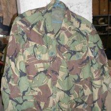 Militaria: GUERRERA INGLESA DE 5 BOLSILLOS, 44 CMS DE HOMBRO A HOMBRO. Lote 9225596