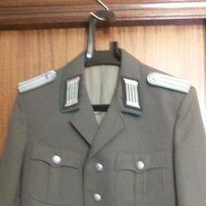Militaria: UNIFORME COMPLETO DE OFICIAL DEL NVA. GRENTZTRUPPEN. Lote 31091955